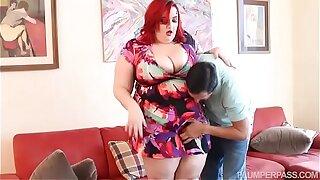 Big Booty Redhead BBW Slut Curvy Quinn