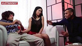 VIP SEX VAULT - Spanish Couple Learns How to Fix Premature Ejaculation (Julia de Lucia)