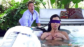 Brazzers - Jewels Jade - Mommy Got Boobs
