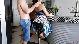 Husband Licks Pussy Wife and Fucks Right in Kitchen